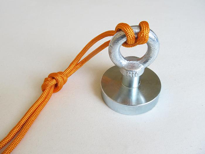 Ako uviazať uzol na magnet