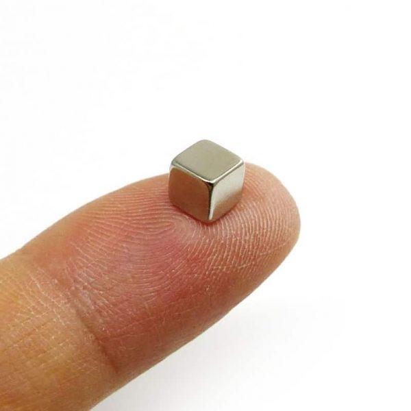 neodýmový magnet kocka 5mm