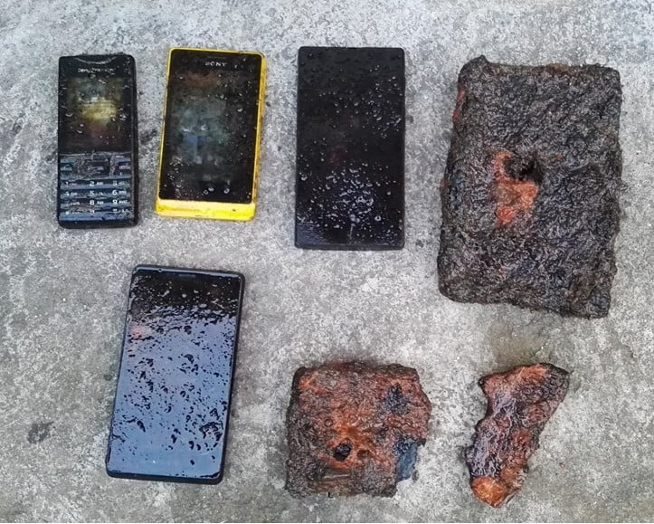 Nálezy makiet mobilov