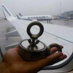 Pustia vás s magnetom do lietadla? Vyskúšal som to.