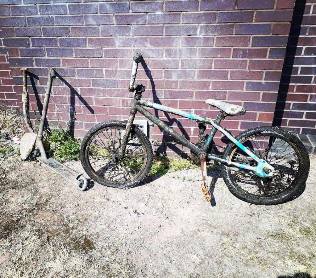 bicykel a kolobežka, ktoré našli magnetickí lovci