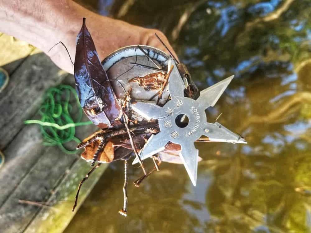 ninjutsu hviezdica nalepená na magnete