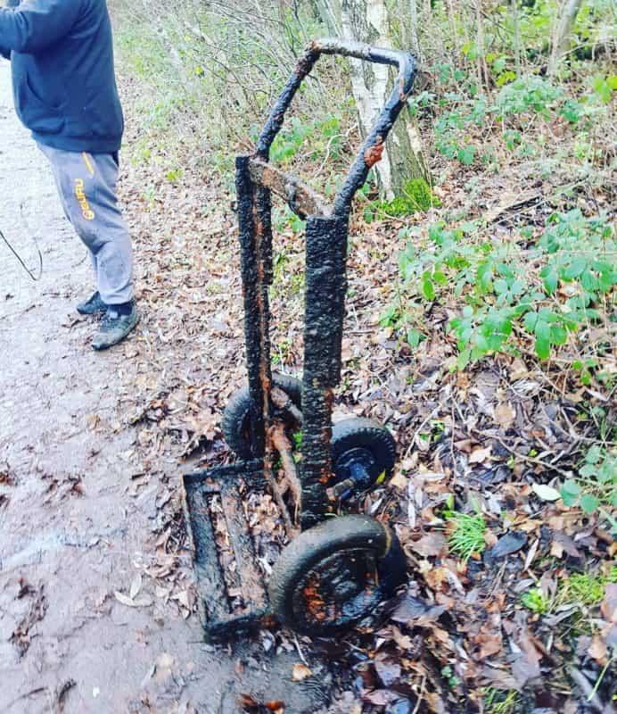 Hrdzavý vozík