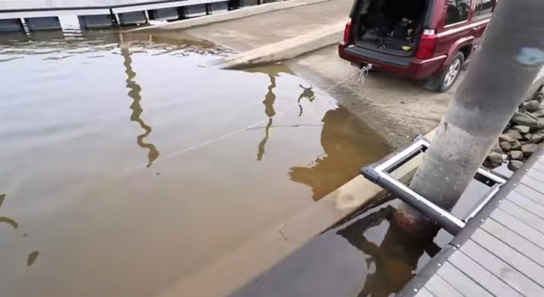 ťahanie zaseknutého magnetu autom