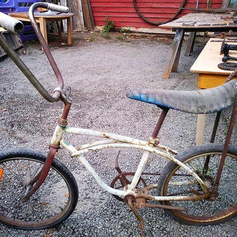 starodávny bicykel z minulého storočia