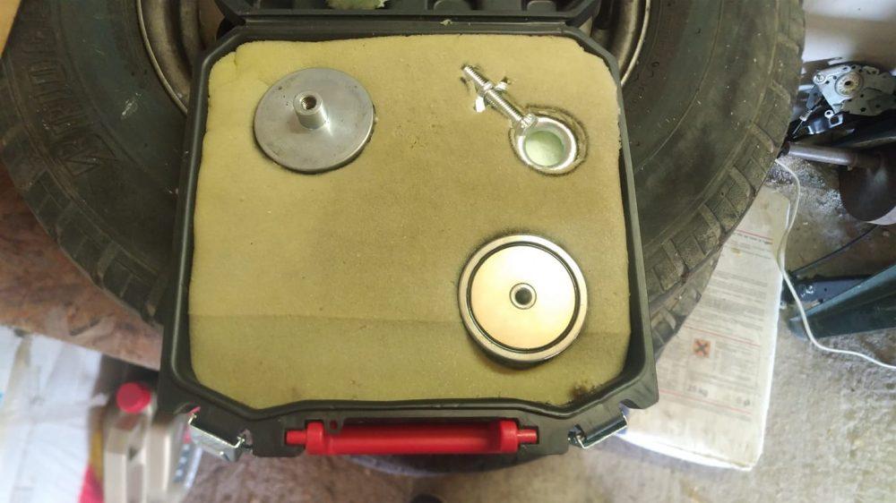 kufrík pre magnety