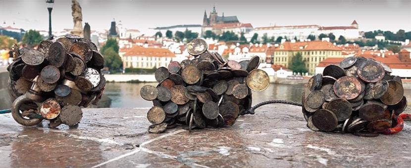 Mnohé české mince sú magnetické