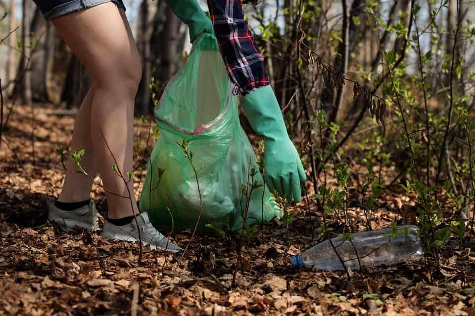 Čistenie prírody od odpadu