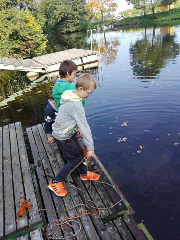 deti hádžu do vody neodýmové magnety