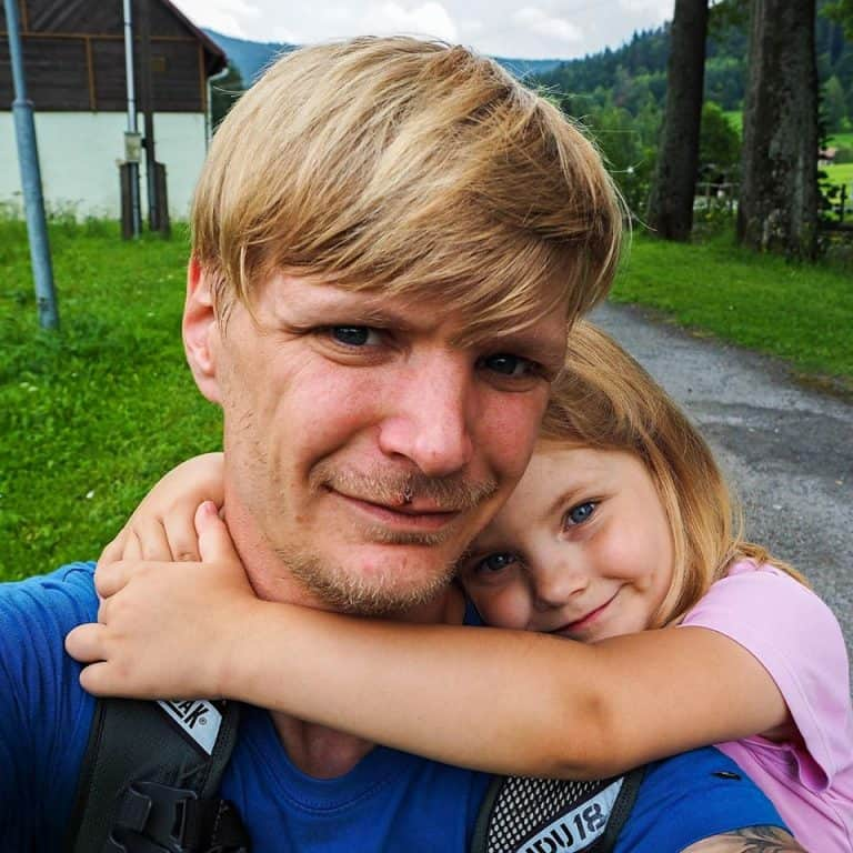 Český lovec pokladov Ján Benedík s dcérou