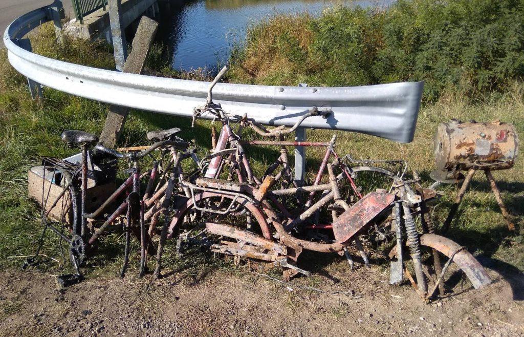 Pozostatky z mnohých bicyklov