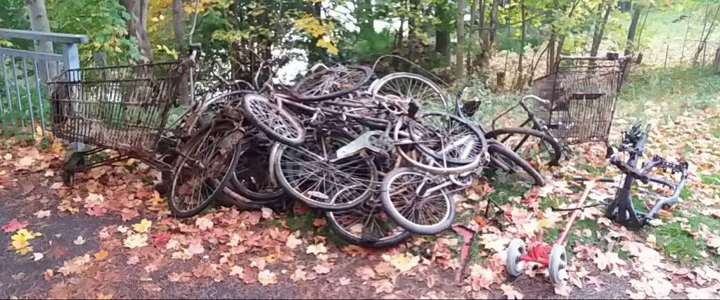 Veľa nálezov bicyklov na jednej kope