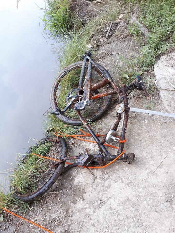 Zničený bicykel zo Slovenska