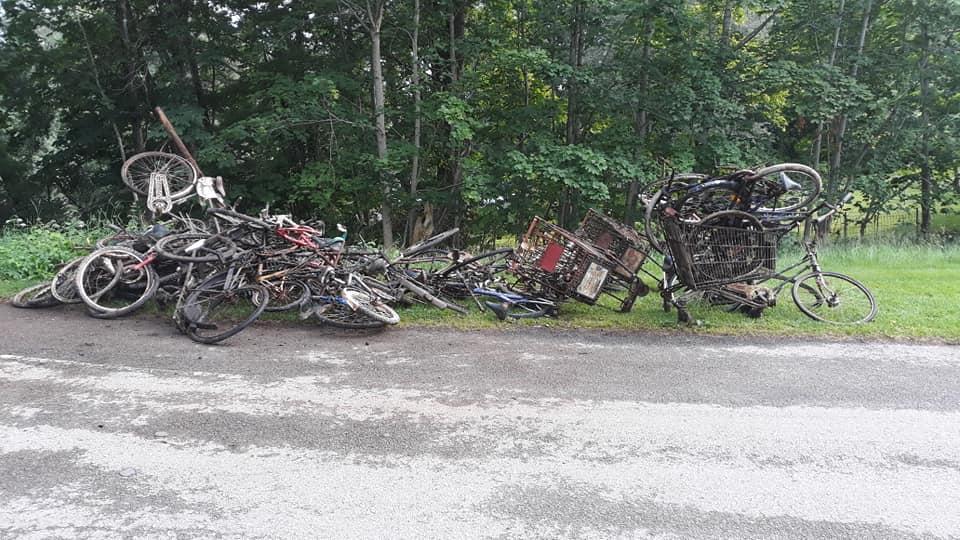 Veľa nálezov bicyklov pri ceste