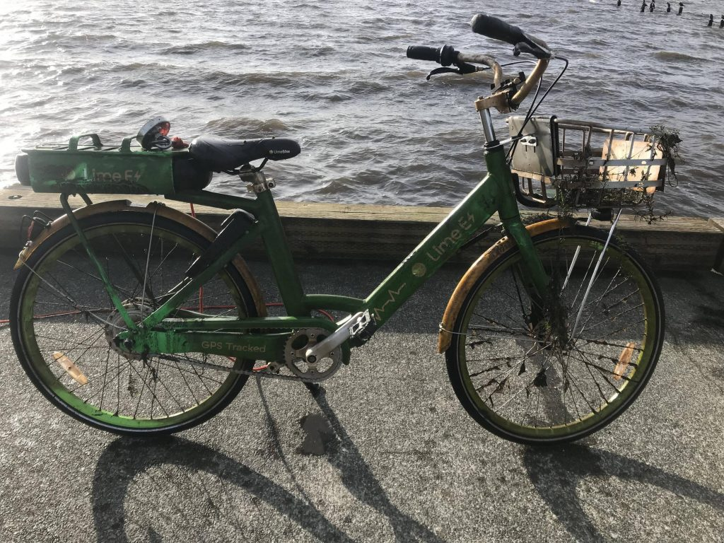 Bicykel ulovený z mora