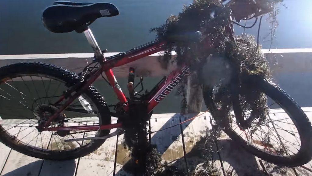 Riasami zanesený bicykel
