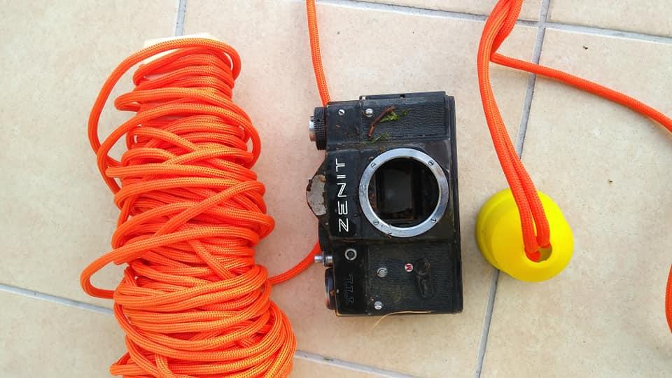 lano a úlovk fotoaparátu na kachličkách