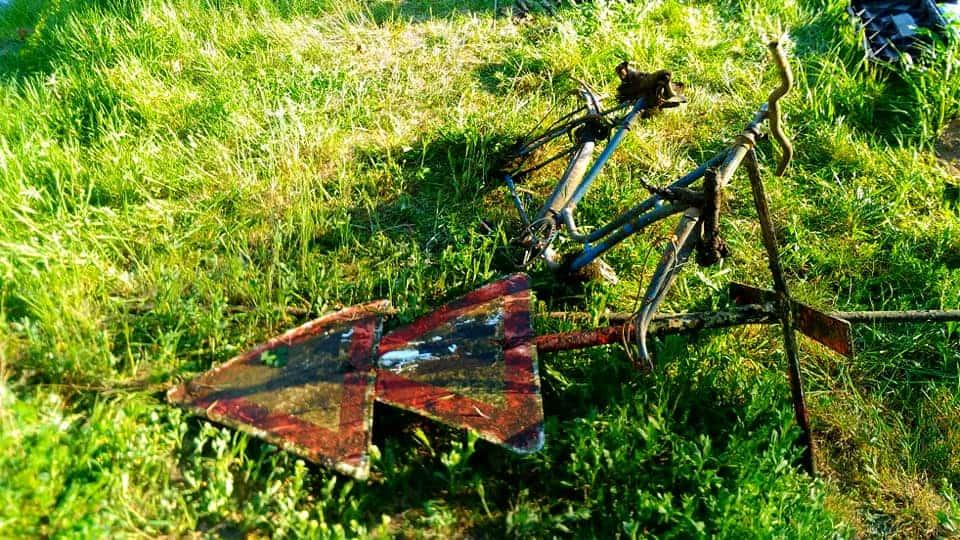 Nález dopravnej značky a torza bicykla