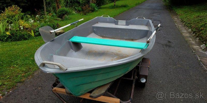 Laminátový čln