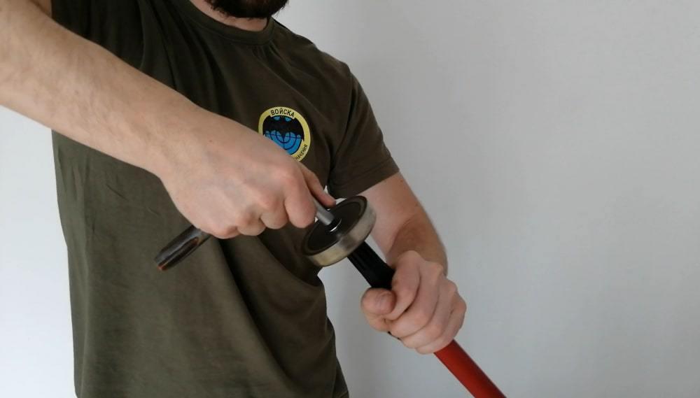 Magnet na tyči: namontovanie magnetu