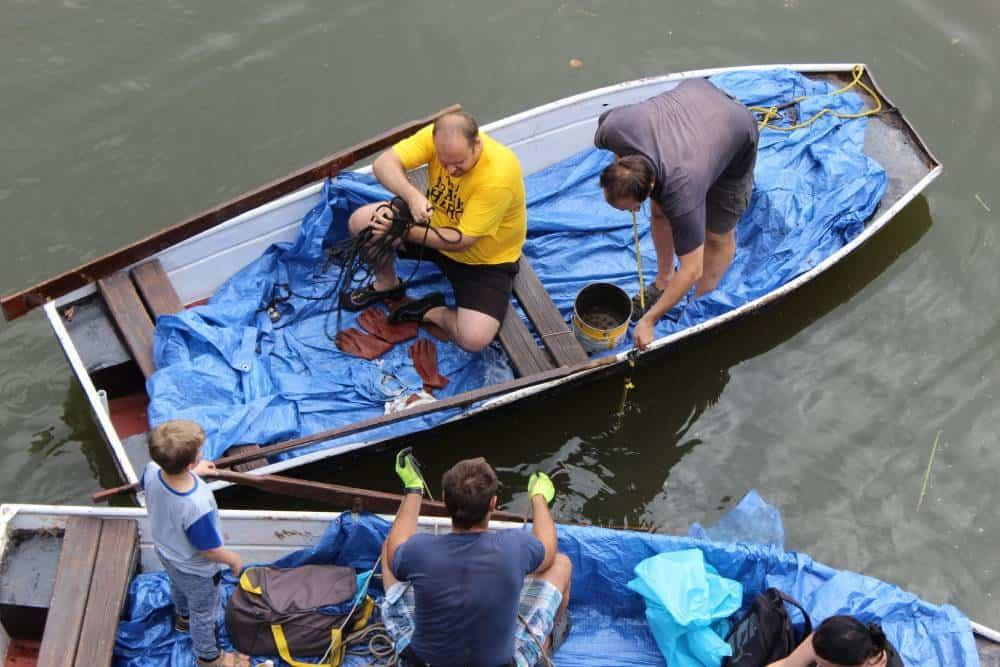 Trash Heroes na lodiach